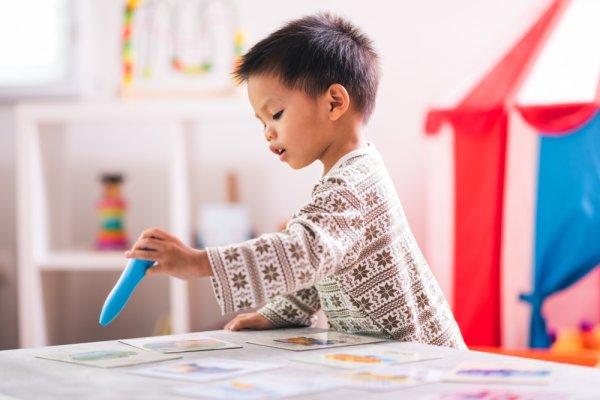 děti, knihy, přesškoláci, malé děti, interaktivní knihy, učení malých dětí, písničky, zpěv