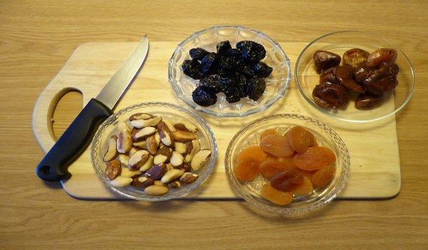 babička, zdraví, sušené švestky, kapusta, tvaroh, zdravá výživa