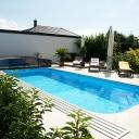 Bazén na zahradu vybírejte nejen podle materiálu, ale i podle typu zahrady