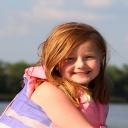 Bezpečnost dětí, nejen o prázdninách, zvýší reflexní doplňky, přilby a plovací vesty