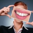Bílé zuby jsou výsledkem správného čištění, ale také omezením některých potravin a nápojů