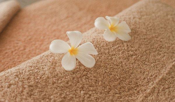 péče o tělo, masáže, celulitida, kůže, pomerančová kůže, krémy proti celulitidě