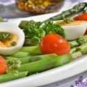 Cukrovka vyžaduje správné stravování, které může mít vliv i na snížení dávek léků