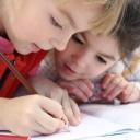 Děti ve škole špatně sedí a zakládají si tak na problémy s páteří