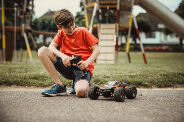 RC modely, hračky na dálkové ovládání, děti, modely, hra