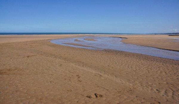 děti, pobyt u moře, hry na pláži, písek