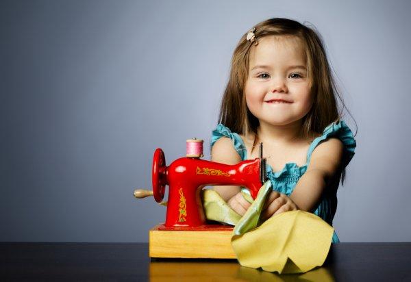 děti, hračky, dětský šicí stroj