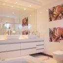 Jak nafouknout koupelnu tak, aby se do ní všechno vešlo?