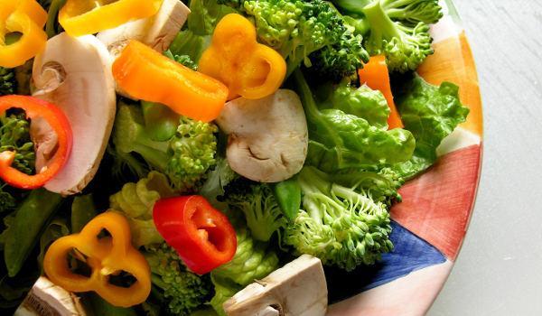 Jak připravit v páře zeleninu pro dětskou stravu