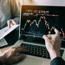 Jak začít investovat do akcií? Rady a tipy nejen pro začátečníky