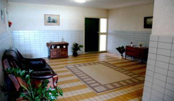 Jak získat maximum spojením obývacího pokoje a kuchyně?