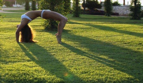 jóga, cvičení, cviky na pevné břicho, zdraví