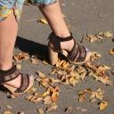 Krásné nohy v letní obuvi, to je především hladká kůže na patách!