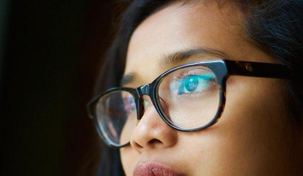 líčení očí, líčení očí s brýlemi, krátkozrakost, dalekozrakost