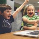 Nebezpečí pro děti, které sedí neustále u svých počítačů či televize