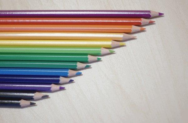 děti, pastelky, kreslení, výchova dětí