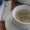 Nevyhazujte použité čajové sáčky! Poslouží nejen jako hnojivo a odpuzovač škůdců !