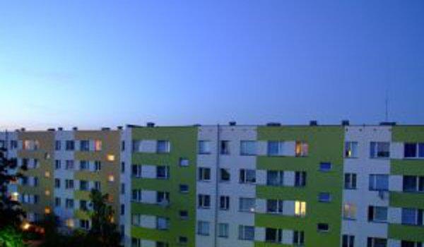 bydlení, výměna oken, plastová okna, dřevěná okna, hliníková okna