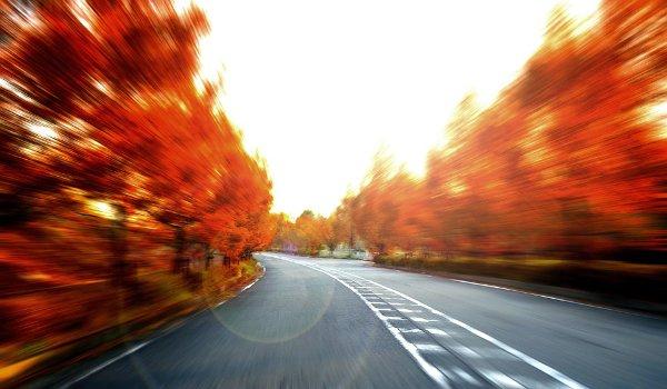 jízda v automibilu, auto, rychlost motorových vozidel, silnice, dálnice, předpisy