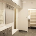 Otevřená šatna odlehčí ložnici a udělá z ní pouze prostor pro odpočinek