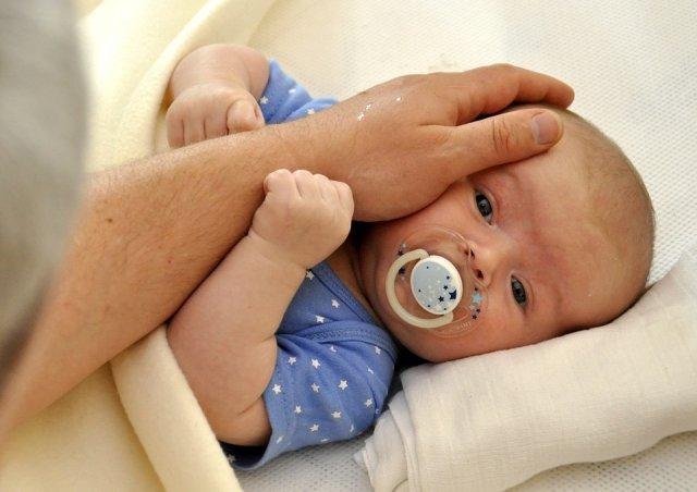 pláč, miminko, péče o dítě, mozek, výchova dítěte