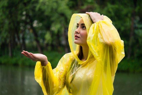 pláštěnka, déšť, počasí, turistika, túry po horách, outdoorové aktivity