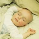 Praktické rady pro snadné oblékání miminka