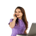 Proč stále bojujete se zanícenou pletí? Příčinou může být mobilní telefon!