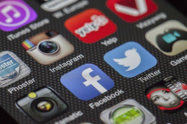 vztahy, lidé, rozchody,láska, sociální sítě