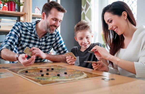 děti, Albi, zábava, hry, karetní hry, deskové hry
