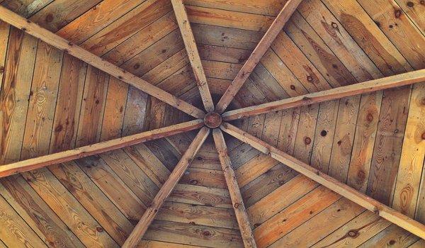 stavba, střecha, druhy střech, krovy, stavební materiál