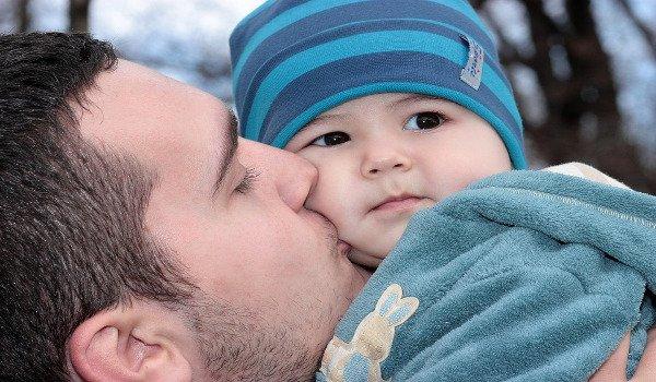 miminko, rodiče, bazén, matka, otec, péče o miminko, vztahy