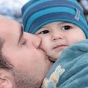 Tatínek na druhé koleji, to je špatné řešení vztahu miminka s rodiči
