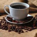 Tři šálky kávy denně zmenší ženám prsa, ale také sníží riziko nádorového bujení