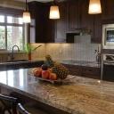 Tři tipy, jak najít další úložné prostory v malé kuchyni