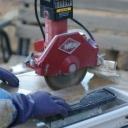 Úhlové brusky na řezání dlaždic a obkladů