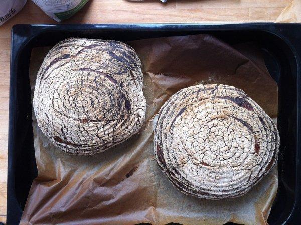 chléb, kvásek, domácí chléb, zdraví, pečení