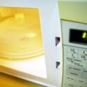 Vaření v mikrovlnné troubě - funkce, údržba a rady k nákupu