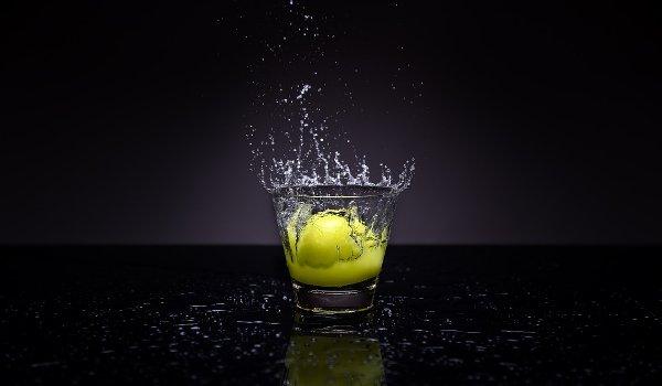 voda s citronem, voda, citrony, zdraví, hubnutí, detoxikace