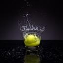 Voda s citronem vám pomůže zhubnout, zlepšit stav pleti a zahnat ranní ospalost