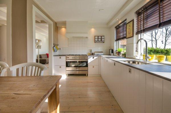 kuchyně, kuchyňská linka, dřevo, laminát