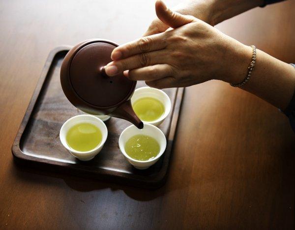 zánět dásní, zubyx, ústní dutina, ústní hygiena, vitaminy, zelený čaj