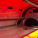 Závislost na návštěvách solaria a nebezpečí kombinace solaria se slunečním svitem