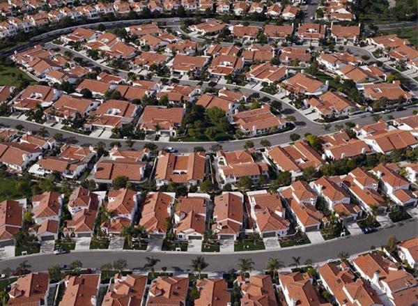 satelitní městečko, bydlení, rodina, děti